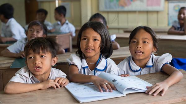 Kinder im Unterricht im PSE-Zentrum in Phnom Penh